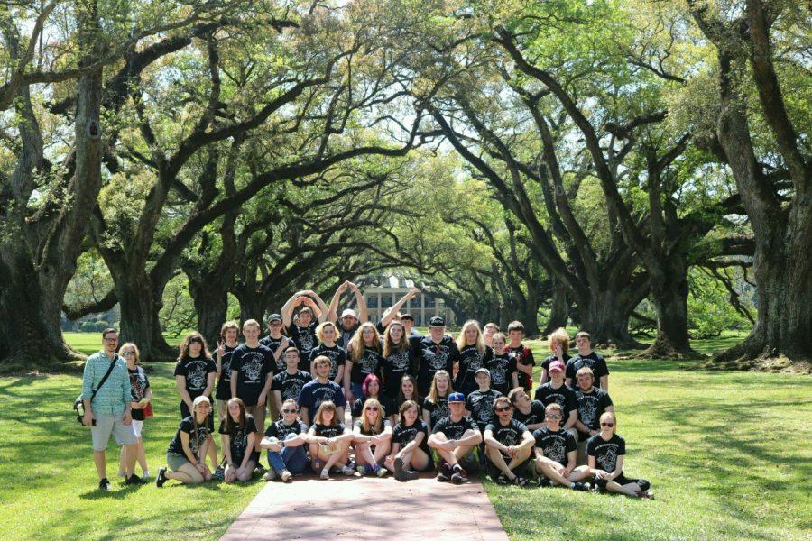 Band+members+at+the+Oak+Alley+Plantation+in+New+Orleans+over+spring+break