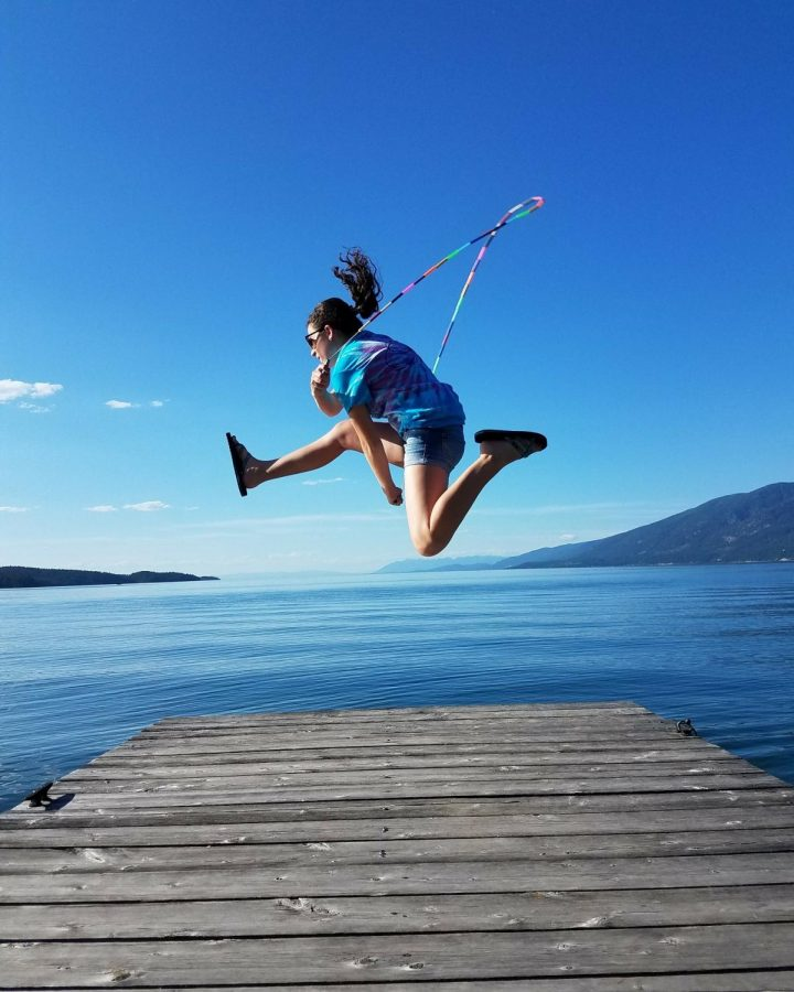 Kylee+McCloney+jump+roping+at+Flathead+lake.