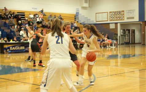 Girls Basketball: Keeping up the Fight